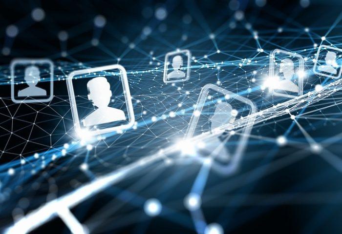 ۵ قانون شبکه اجتماعی که باید بدانند