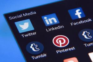 ثبت نام در شبکه های اجتماعی